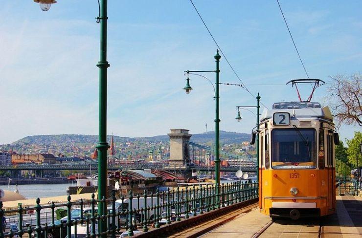 Tram-number-2-Budapest